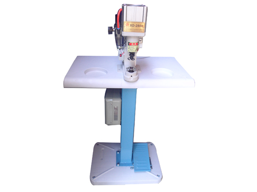 sewing-button-machine-maquina-pega-botones-XD-2808-000