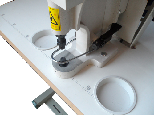 sewing-button-machine-maquina-pega-botones-XD-808-003